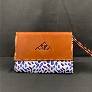 Barrington wrist wallet